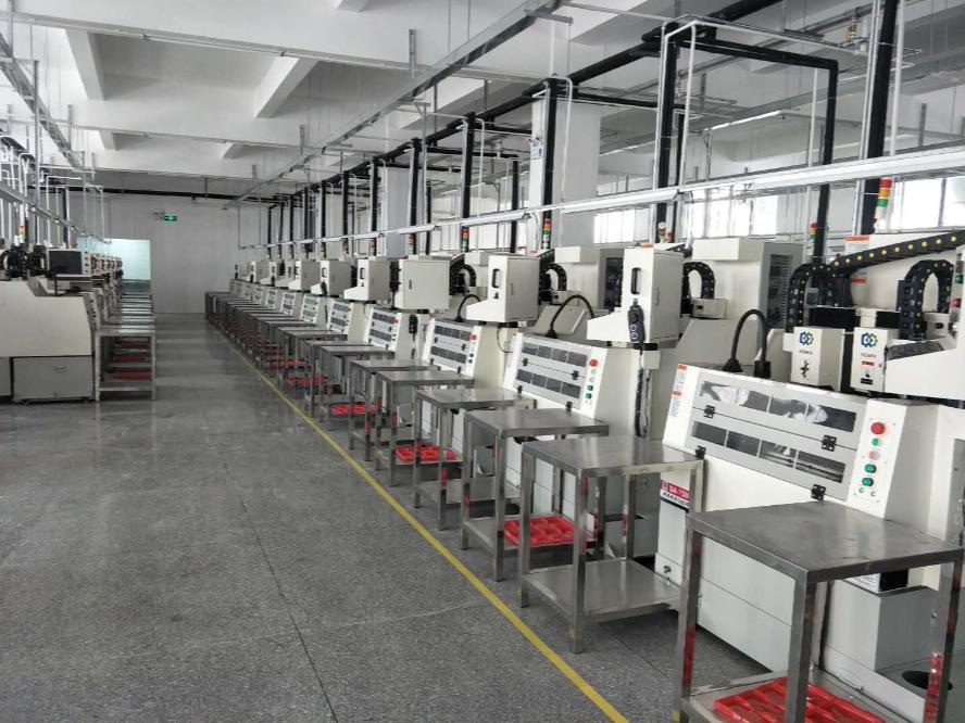 深圳京信美达选择迪奥数控精雕机